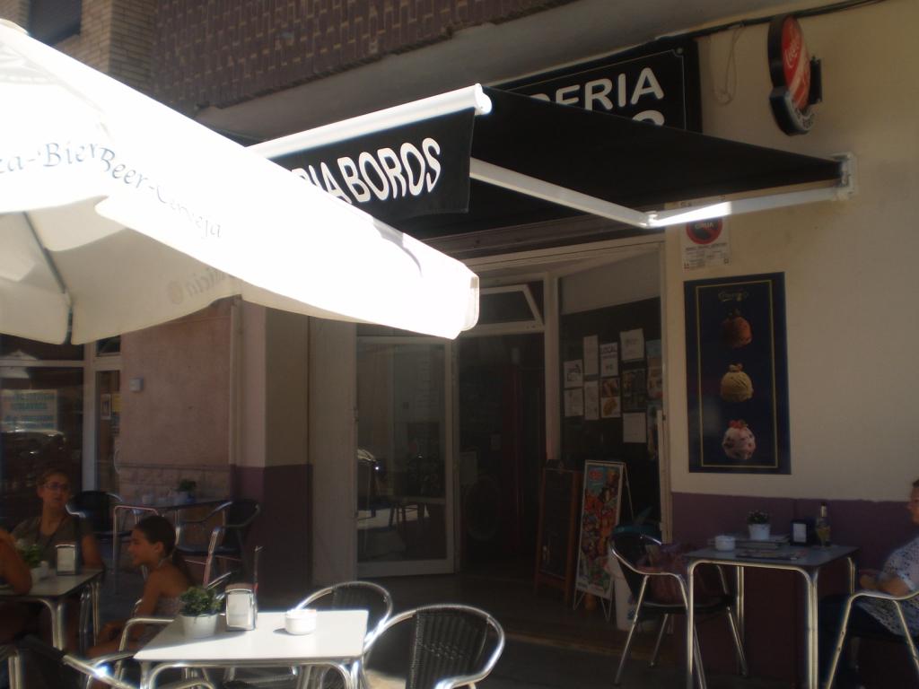 CAFETERÍA- HELADERÍA BOROS